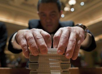 casino dealer salary