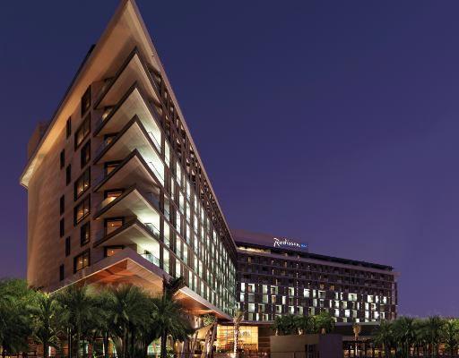 Accomodating at the Radisson Blue Hotel in Abu Dhabi