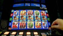 New Law Cuts Maximum Bet on Aussie Pokies in Half